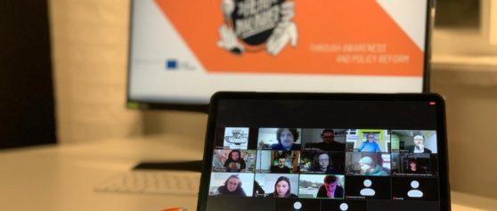 """Unsung Hero Dialogues: Podiumsdiskussion """"Zivilgesellschaft in Thüringen – ist das Kunst, oder kann das weg?"""""""